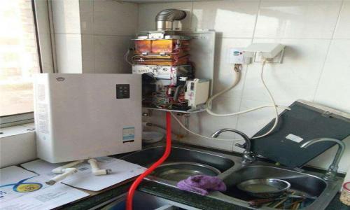 广州阿里斯顿壁挂炉维修服务电话--洪德成服务中心