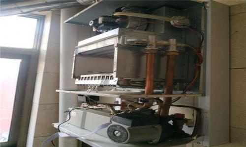 济南阿里斯顿壁挂炉维修服务电话--安安美服务点