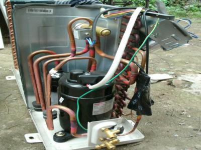 西安美的空调维修电话--公如聚维修服务中心