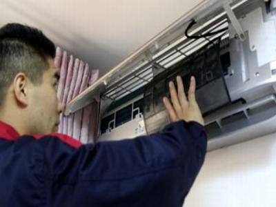深圳格力空调维修电话--本万飞服务点